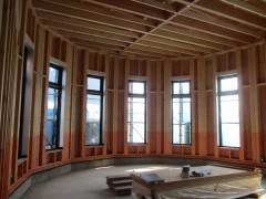 天井が高く、広々とした空間です。